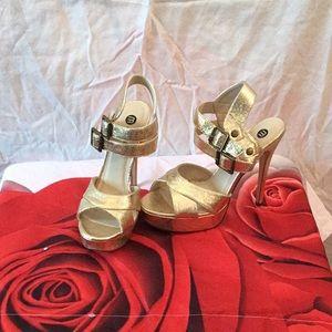 Michael Antonio Ladies Gold Sparkle Heels